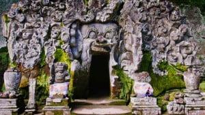 bali-goa-gajah-full-gianyak-day-tour-bali-car-rental-cheap