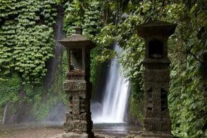 bali-munduk-waterfall-bali-overbight-tour-bali-car-rental-cheap