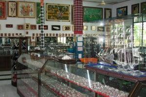 traditional-jewelry-celuk-ubud-bali-over-night-tour-bali-cheap-car-rental.jpg